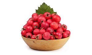 木碗里的鲜红山楂特写摄影高清图片