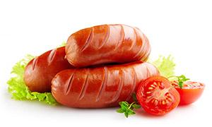 西红柿与烤肠美食特写摄影高清图片