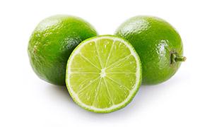 两个半新鲜青柠檬特写摄影高清图片