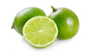 切开的青柠檬近景特写摄影高清图片