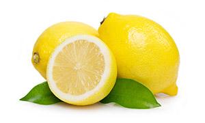 新鲜的黄柠檬近景特写摄影高清图片