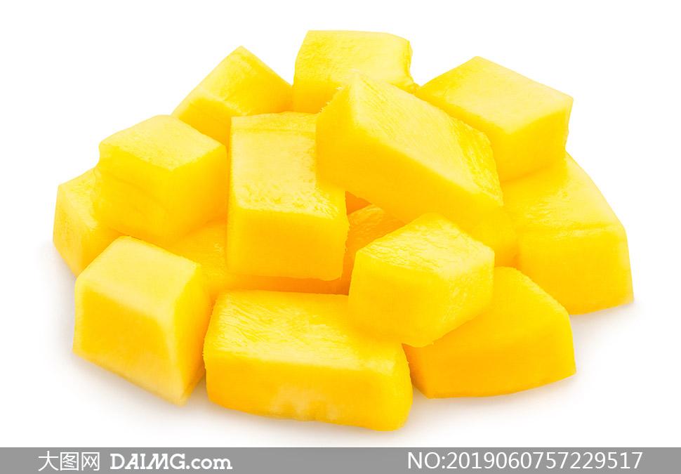 去除果皮切成块的芒果摄影高清图片
