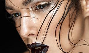 黑色唇妝亂發美女模特攝影高清圖片