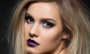 紫色嘴唇妆容美女人物摄影高清图片