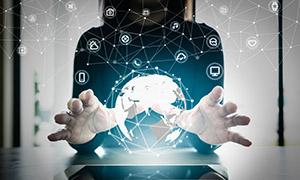 人物手势与全球信息互联等创意图片