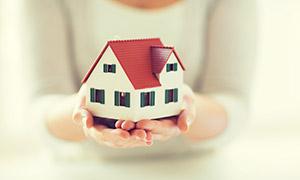 在手中的房子模型创意摄影高清图片