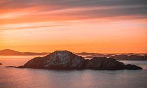 黄昏下的海岛美景摄影图片