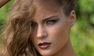 欧美卷发美女模特人像摄影原片素材