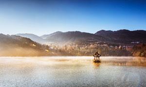 清晨唯美的湖景攝影圖片
