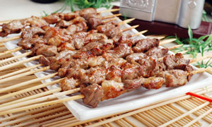 烧烤店美食羊肉串摄影图片