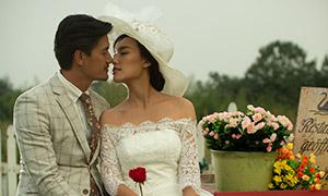 依偎在一起的恋人婚纱摄影高清原片