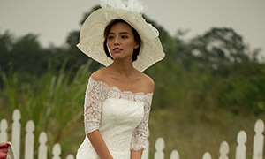 露肩蕾丝婚纱美女人物摄影原片素材