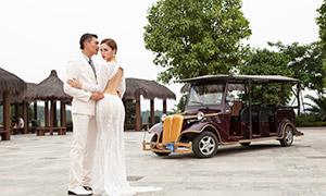 景区拍摄婚纱照的恋人摄影原片素材