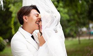 幸福亲密爱人婚纱摄影高清原片素材