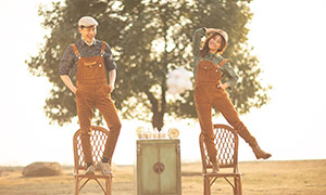 开心笑容情侣人物写真摄影高清原片
