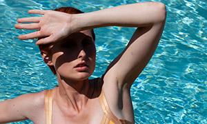 游泳池比基尼美女人物模特摄影原片