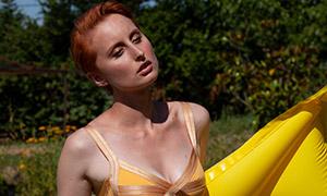 炎热夏季泳装美女模特摄影原片素材