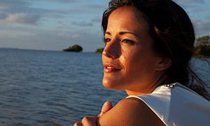愉悅開心觀景美女人物攝影高清原片