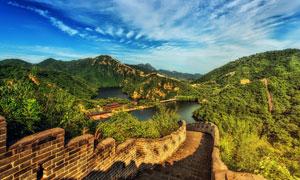 蓝天白云下的长城美景摄影图片