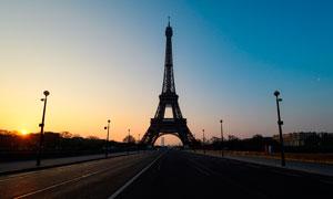 夕阳下的埃菲尔铁塔高清摄影图片