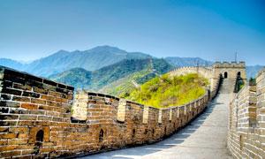 蓝天下的长城景观高清摄影图片