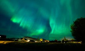 欧美乡村美丽的极光摄影图片