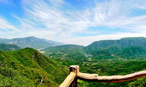 蓝天下美丽的青山高清摄影图片