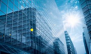 藍天白云陽光玻璃幕墻攝影高清圖片
