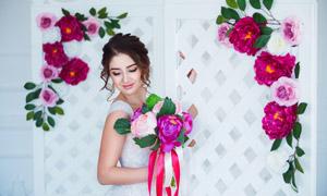 幸福微笑盘发新娘美女摄影高清图片
