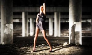 長腿短裙美女人物寫真攝影高清圖片