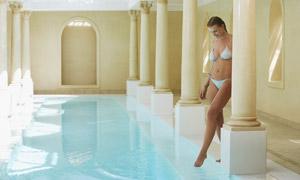 准备下水的比基尼美女摄影高清图片