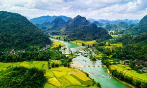 美丽的越南山间农田风光摄影图片