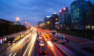 美丽的城市道路夜景摄影图片