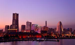 海邊城市美麗的夜景高清攝影圖片
