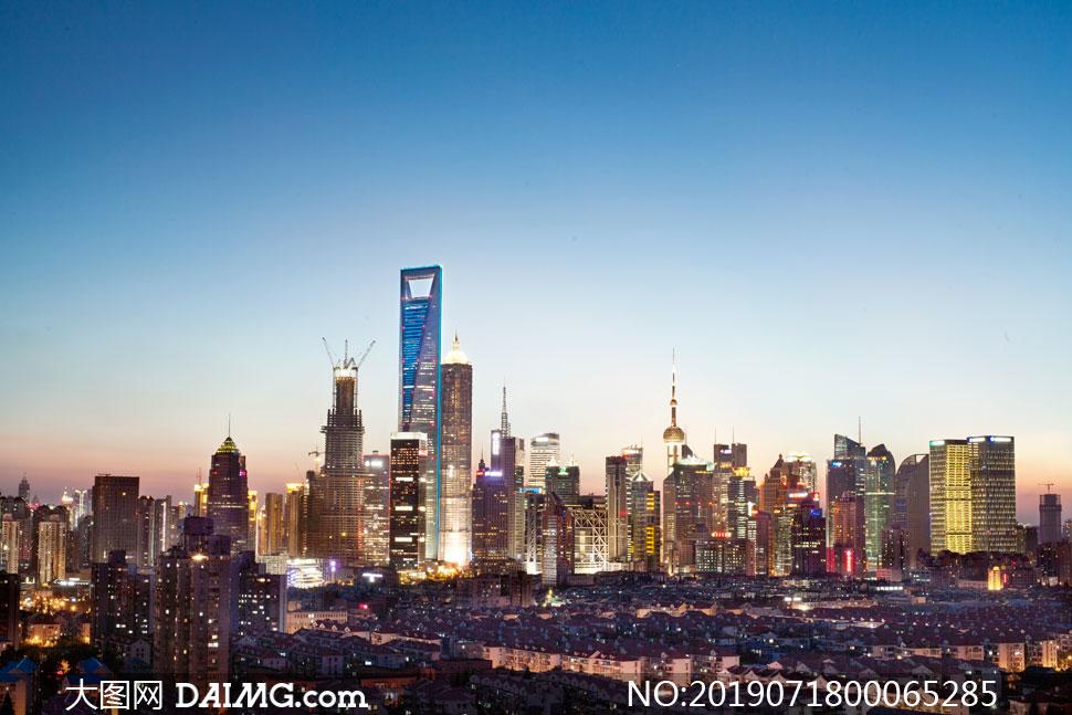 夜色下的城市美景高清摄影图片