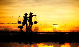 越南下龙湾景区金色沙滩摄影图片