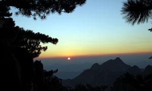 壯麗的黃山日出美景高清攝影圖片