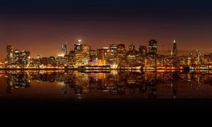 美丽的城市夜景和倒影摄影图片