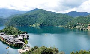 泸沽湖山水风光美景摄影图片