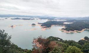 万绿湖俯瞰图全景摄影图片