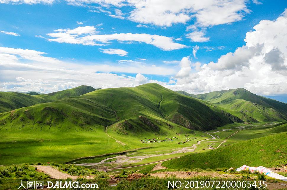 色达高山草原美景摄影图片