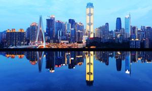 重庆美丽的夜景和湖泊倒影摄影图片