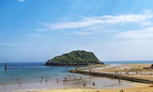 蓝天白云大海小岛风光摄影高清图片