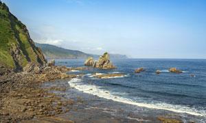 蓝天白云山峦大海风光摄影高清图片