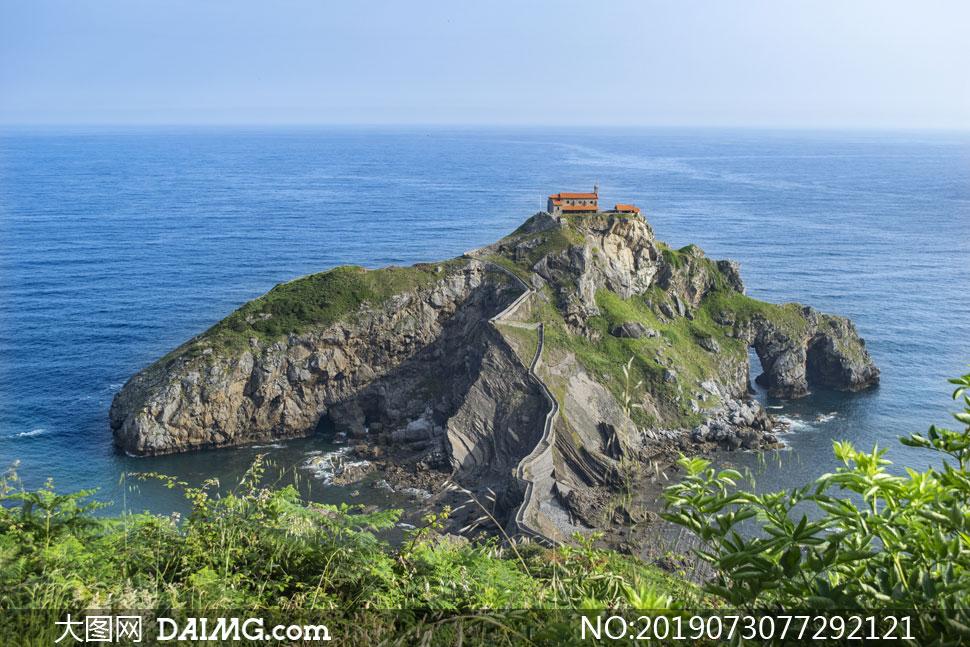 小岛海天一色自然风景摄影高清图片