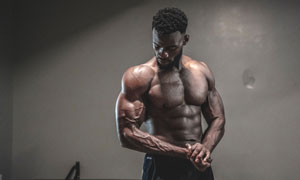 黝黑肤色健身运动人物摄影高清图片