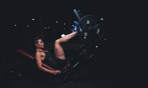 强化下肢力量训练美女人物高清图片