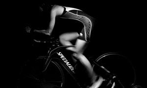 单车运动人物侧面特写摄影高清图片