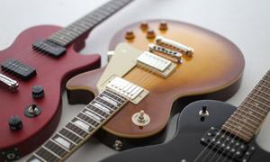 幾把音樂會用吉他特寫攝影高清圖片