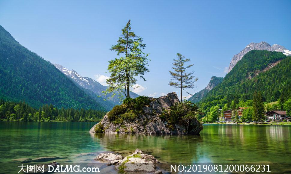 美丽的湖中小岛高清摄影图片